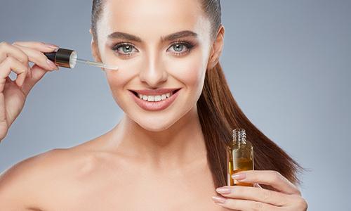 לשמנים הטבעיים יש סגולות שתורמות לטיפוח העור והשיער בזכות חומצות השומן החיוניות שהם מכילים לצד ויטמינים, מינרלים ונוגדי חמצון.