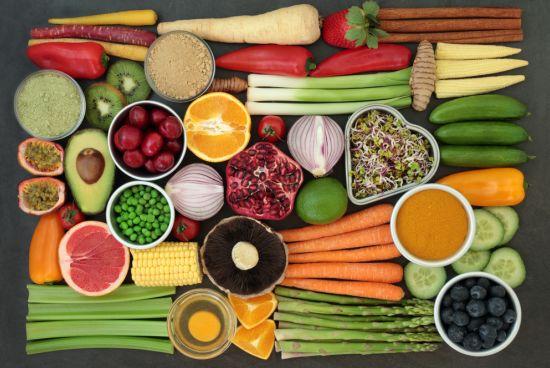 הקפידו על תפריט עשיר בפירות וירקות עשירים בסיבים תזונתיים