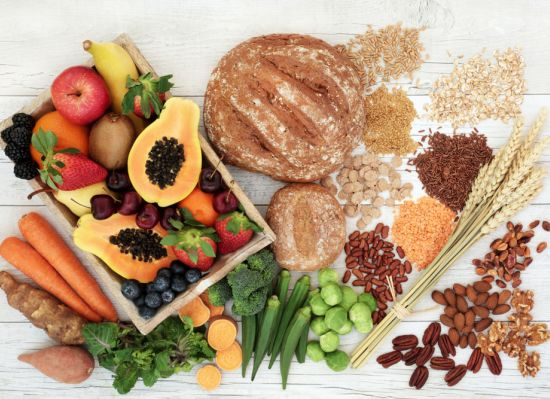 קטניות, דגנים, אגוזים ופירות, עשירים בויטמין C ובברזל