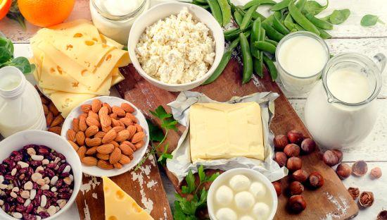 שקדים, גבינות, סויה- לא לזלזל במינרל החשוב הזה
