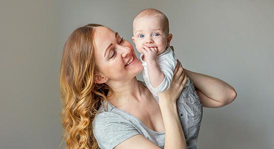 אחרי תשעה חודשי הריון את סוף סוף אמא. אבל מה קורה לגוף שלך עכשיו, ומהן הדרכים לשמור על בריאות תקינה אחרי לידה?