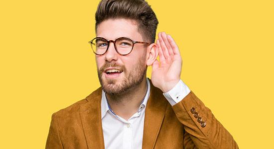 ירידה באיכות השמיעה היא תופעה מאוד נפוצה. ממה היא נגרמת, מדוע חשוב לאבחן אותה ומה יכול לעזור לנו לשמוע טוב יותר?