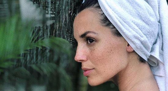 ירדן הראל- רשימה של 10 מוצרים שעוזרים להתמודד עם נזקי העור והשיער בחורף.