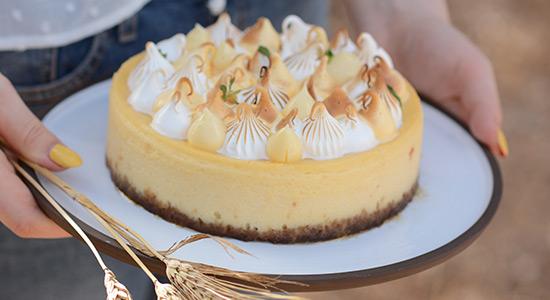 עוגת גבינה אפויה ומרנג של עדי קלינגהופר