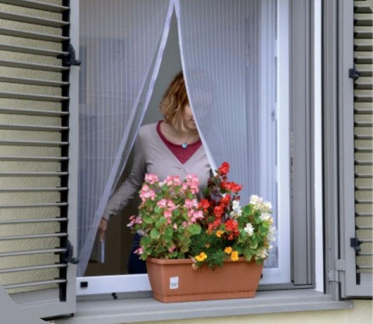 רשת יתושים לחלון עם מגנטים לבן
