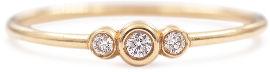 My-D Jewelry טבעת זהב עדינה משובצת 3 יהלומים