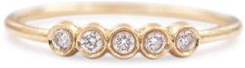 My-D Jewelry טבעת זהב משובצת 5 יהלומים
